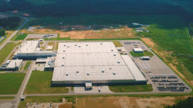 Бестселлеры авто — в Подмосковье. Как работает завод Mercedes спустя год после открытия | Изображение 1