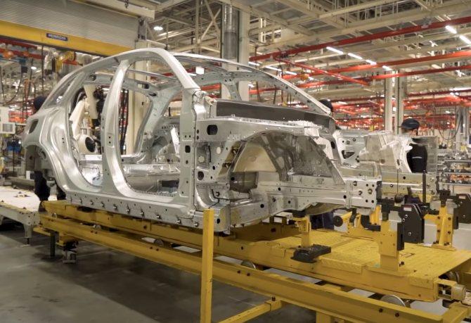 Бестселлеры авто — в Подмосковье. Как работает завод Mercedes спустя год после открытия | Изображение 2