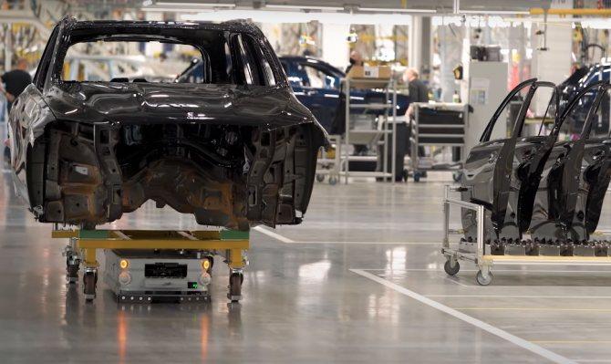 Бестселлеры авто — в Подмосковье. Как работает завод Mercedes спустя год после открытия | Изображение 3