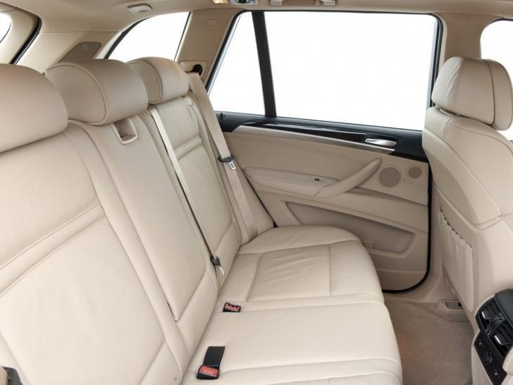 BMW X5 2013 задний ряд сидений