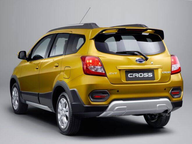 Datsun Cross 2020 вид сзади