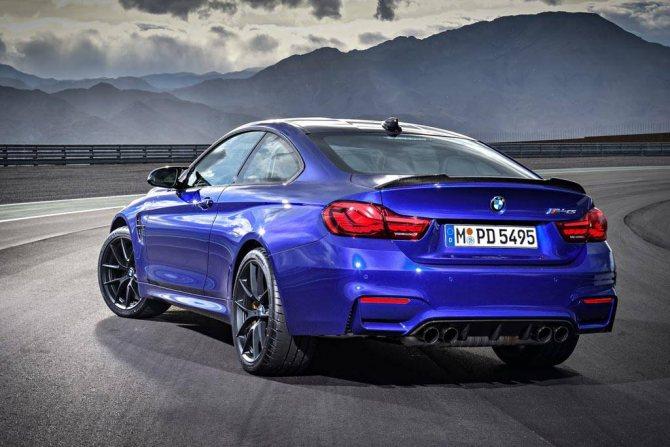 фото BMW M4 CS 2020 вид сзади