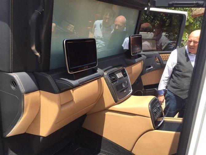 фото интерьера Mercedes-Maybach G 650 Landaulet