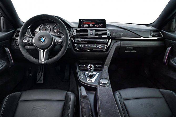 фото салона BMW M4 CS 2018