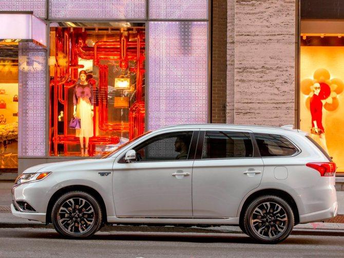 Mitsubishi Outlander 2018 года: обновление
