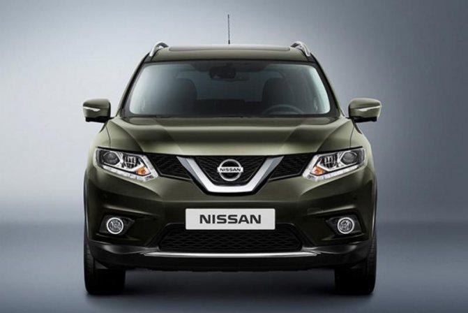 Nissan X-Trail: вид спереди