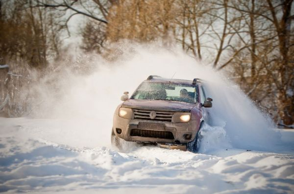 Рено Дастер в снегу